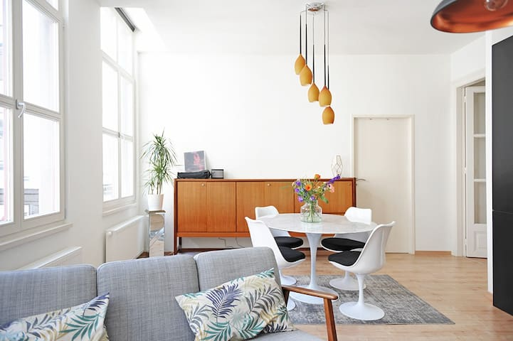 "Bright & light ""all you need"" apartment"