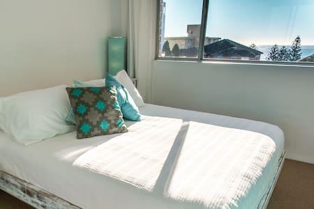 Oasis in Wollongong - 2 bedrooms - ocean views