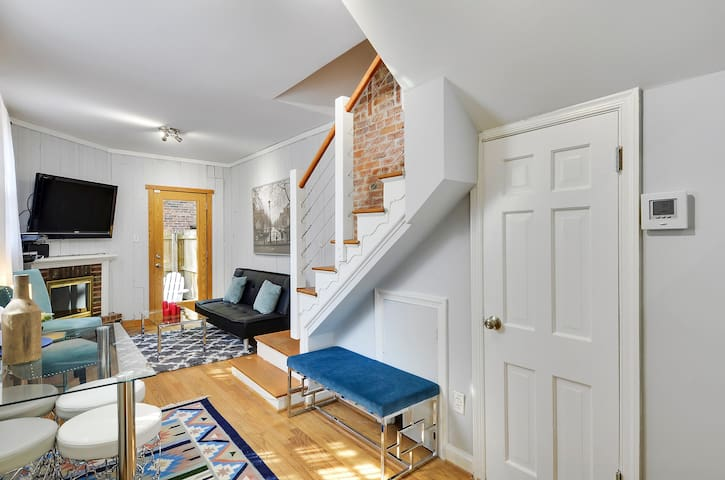 Heart of DC (2 BR, Entire Place)