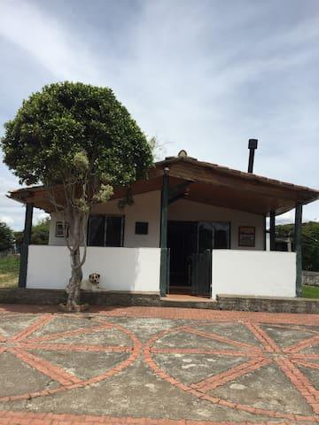 CABAÑA ARAGON ESTANDAR - Guasca - Rumah Tamu