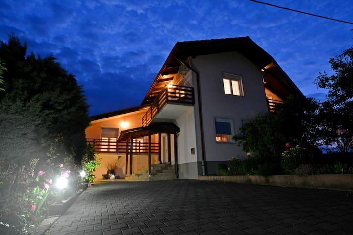 """""""Guesthouse Paulić"""" - Slunj - Casa"""