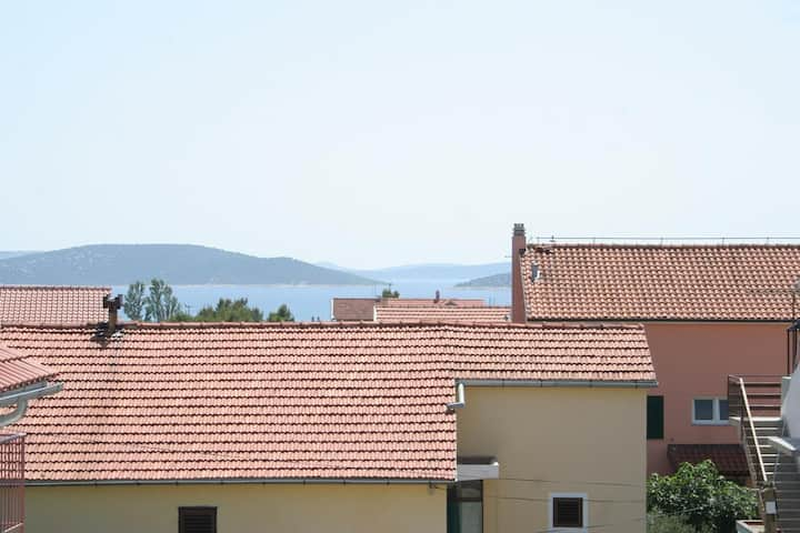 One bedroom apartment with balcony Vodice (A-4210-e)