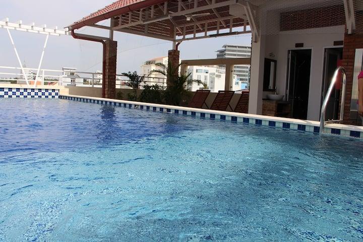 Ananas   Spacious room   Swimming pool