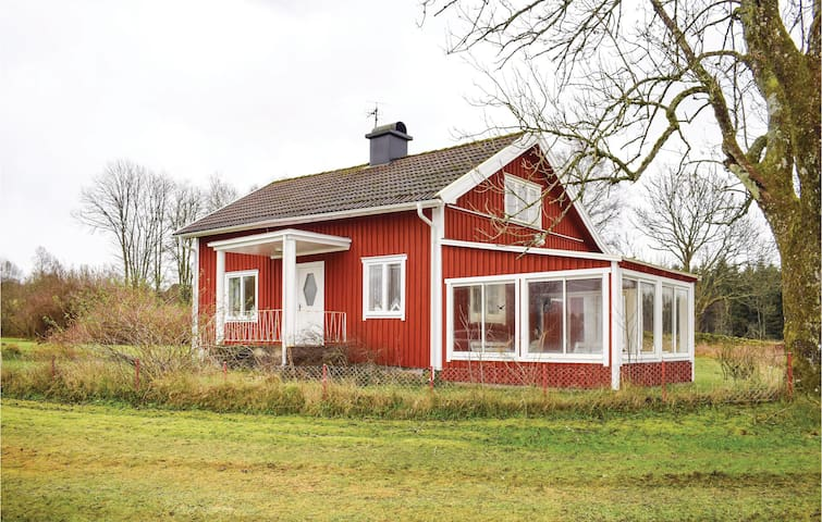 Holiday cottage with 3 bedrooms on 90 m² in Strö (Hidden by Airbnb) äsbruk