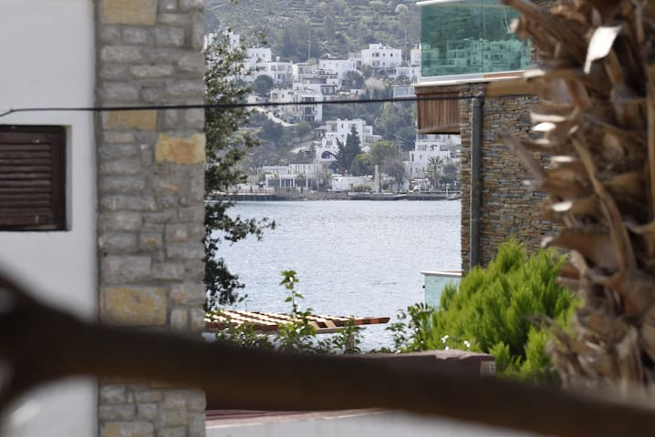 Seaside 2BR Flat with Amazing Location in Türkbükü - Bodrum