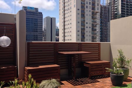 Large 1BR with sunny roof terrace