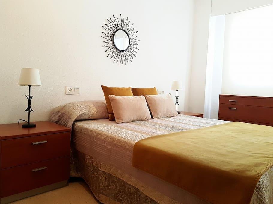 Habitación doble, cama 150, armarios, cerradura.