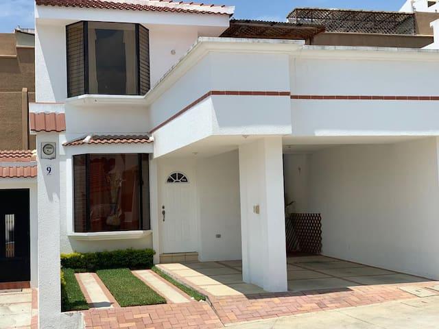 San Lucas, Sacatepequez, Villas del Choacorral