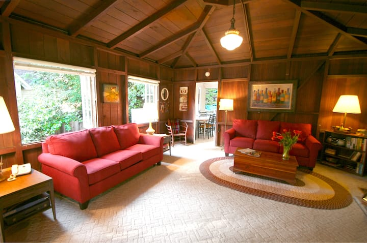 Back in the Day!  Redwoods!  Walk to River!!  BBQ Grill!  Fast WiFi!!  Dog Friendly!