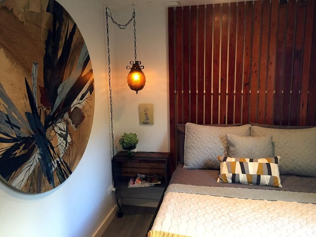 Super Cozy Bed/Bath in Awesome Andersonville Home! - Чикаго - Дом