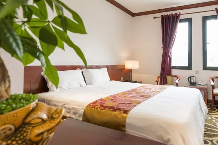 HOANG TRUNG HOTEL COTO