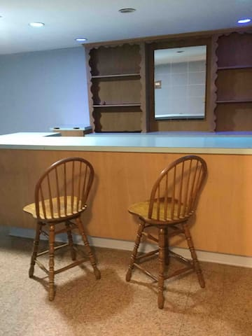 Wet bar with stools