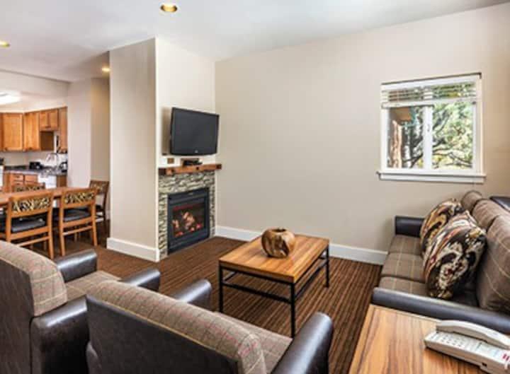 2 Bedroom Condo Estes Park w/Full Kitchen