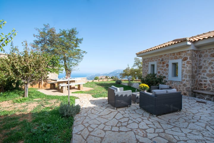 VILLA SERENIS | mountain & sea @ 1,5hr from Athens