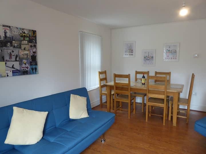 Apartment-Family-Private Bathroom-Patio-Flat 2