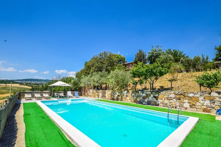 Detached villa with private pool, airco, Wi-fi