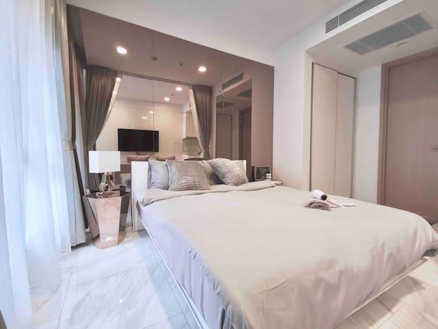曼谷市中心五星级网红高端公寓 BTS NANA 300米21航站楼Asok 近siam 四面佛