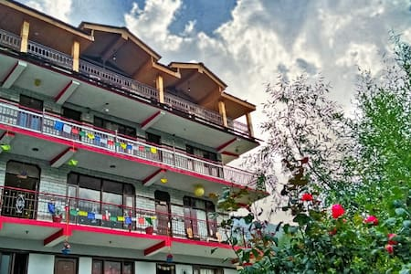 Spring House Manali - Deluxe Room With Kitchen