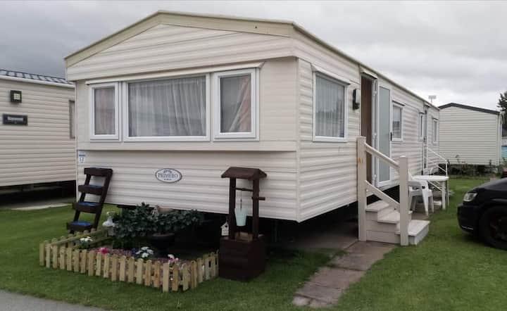 2 bed 6 berth caravan pet friendly