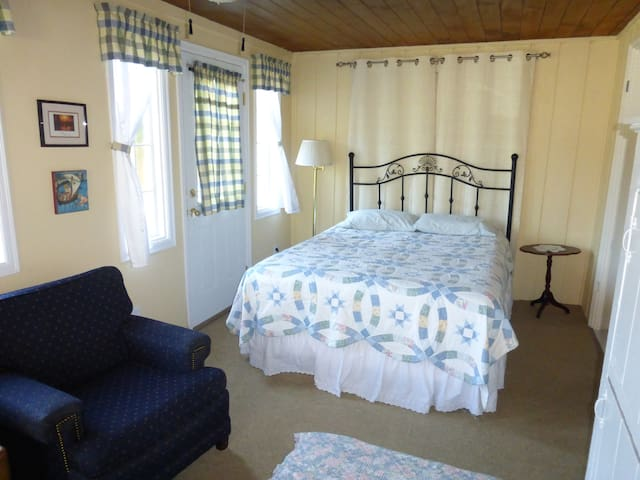 Vintage Farmhouse: Double Room - Tacoma - Casa