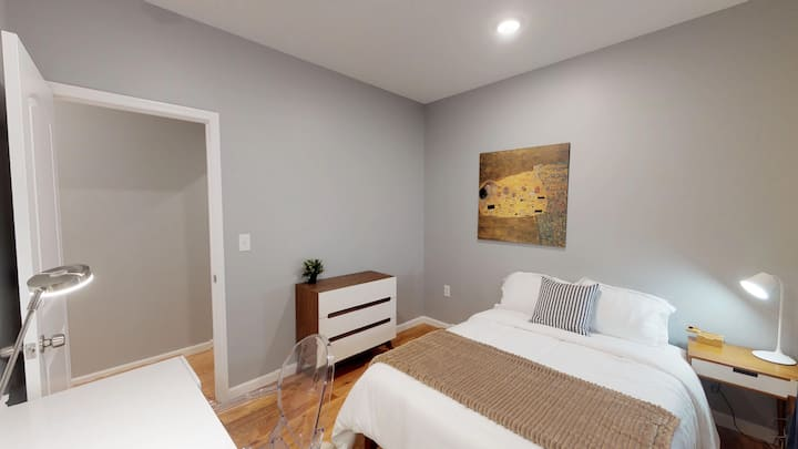 Cozy & Spacious Room for Long-term Stay**