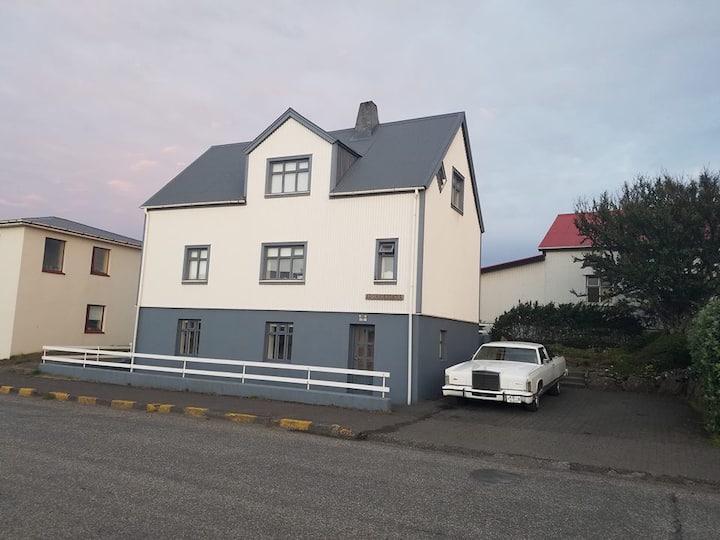 Þórshamar Room 3