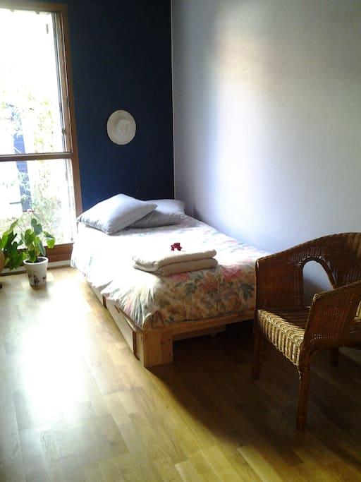 Chambre dans cosy appartement avec petit jardin for Location appartement avec petit jardin