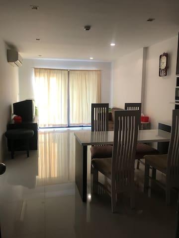 1 bedroom Golden Coast condo Sri Racha warm cozy