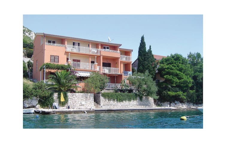 Holiday apartment with 1 bedroom on 30 m² CDR337