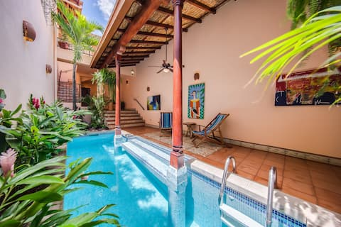 Fabulous Colonial Home in Old Town Granada