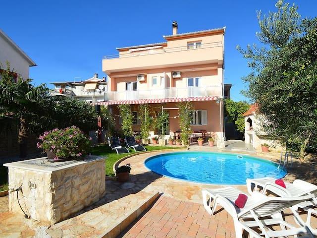 Villa Vesna / House Ukic / One Bedroom Apartment A3 in Vila Vesna House Ukic