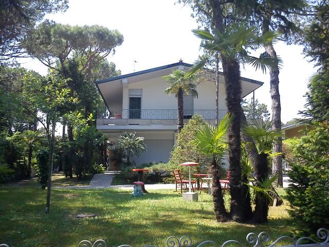 Spazioso appartamento con giardino,500 mt dal mare - Lignano Sabbiadoro