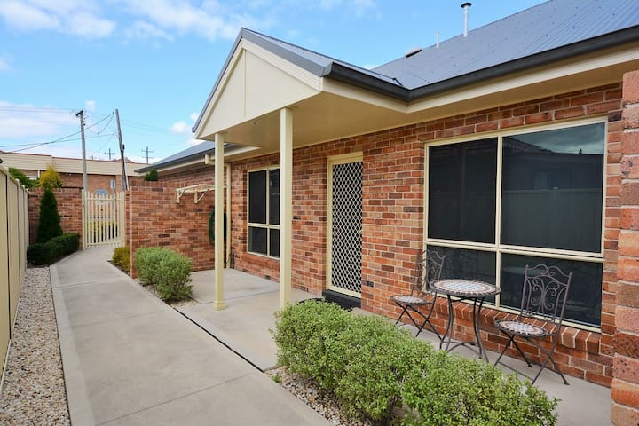 1/2 Padley St, LITHGOW - Apartments on Padley