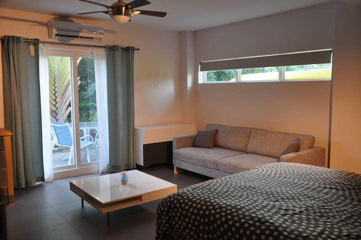Room on Seven Mile Beach - George Town - Dom