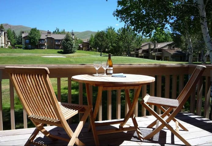 Spacious Golf-Course View Sun Valley Condo - Sun Valley - Kondominium
