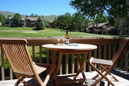 Spacious Golf-Course View Sun Valley Condo - Sun Valley