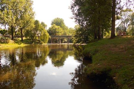 La Vieille Forge, pretty Perigord cottage. - Sainte-Eulalie-d'Ans