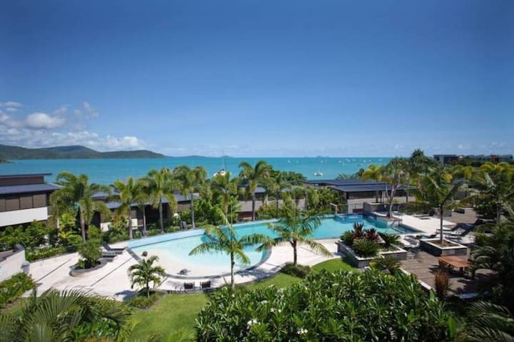 Whitsundays unit with ocean views - Cannonvale - Apartment