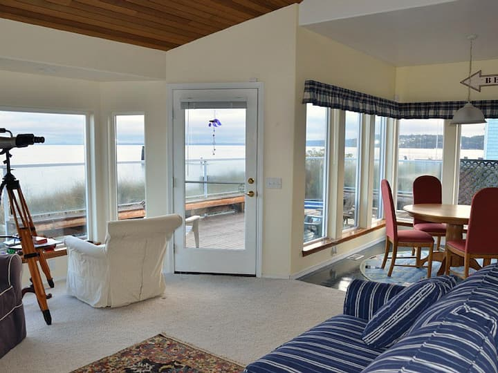 Contemporary Beachfront Home in Diamond Point, just 20 minutes east of Sequim