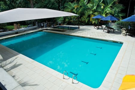 Coffs Harbour Private Room & Pool - Muu