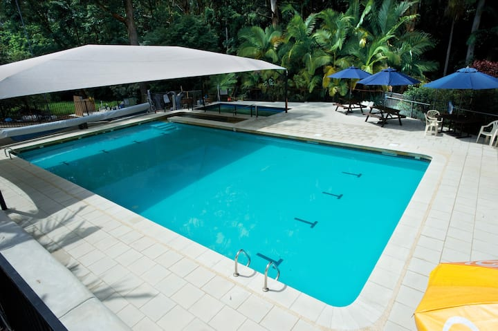 Coffs Harbour Private Room (1) & Pool