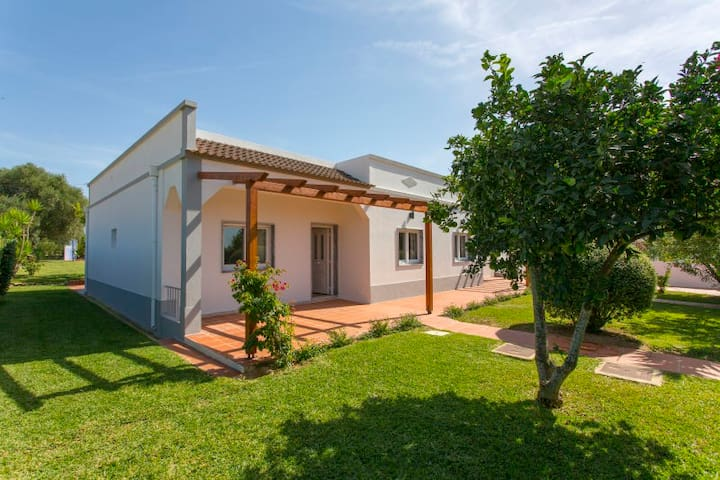 Casita Privada Pinheiro - Luxury 4 Bedroom Villa