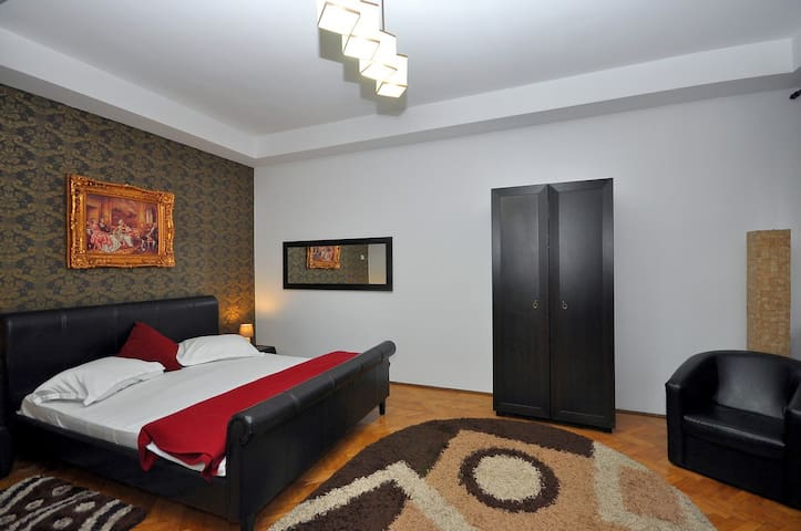 Cozy Apartment in Town center of Bucharest