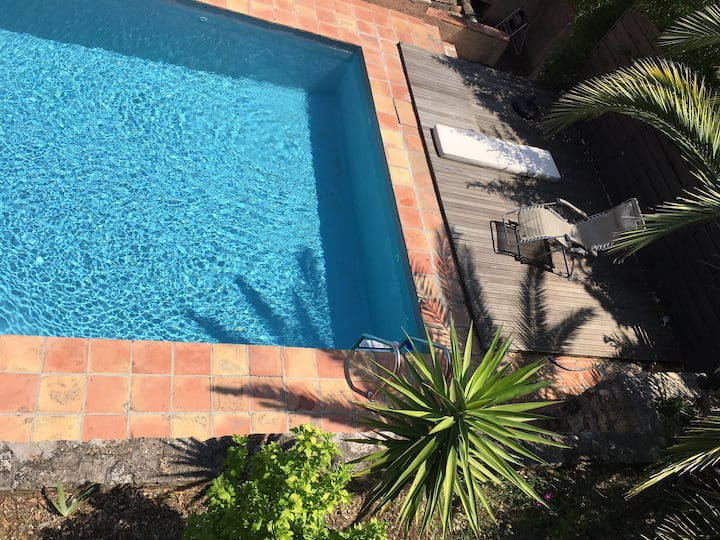 Private room A/ Guesthouse & pool 2km Valbonne