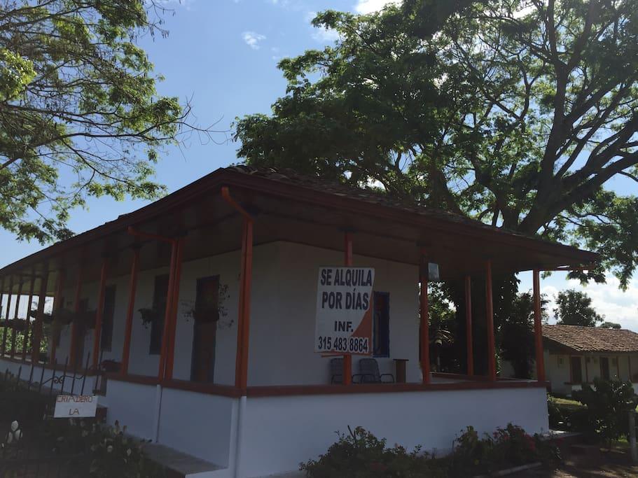 ENTRADA PARQUEADERO