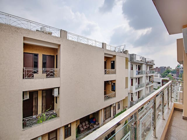 OYO - Well-Furnished 1BR Homestay, Chhatarpur (Discounted!)