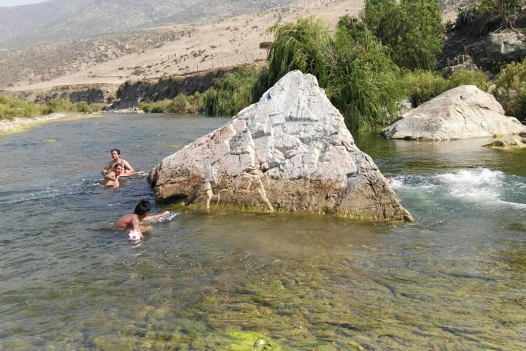 Río para disfrutar un reconfortante baño.