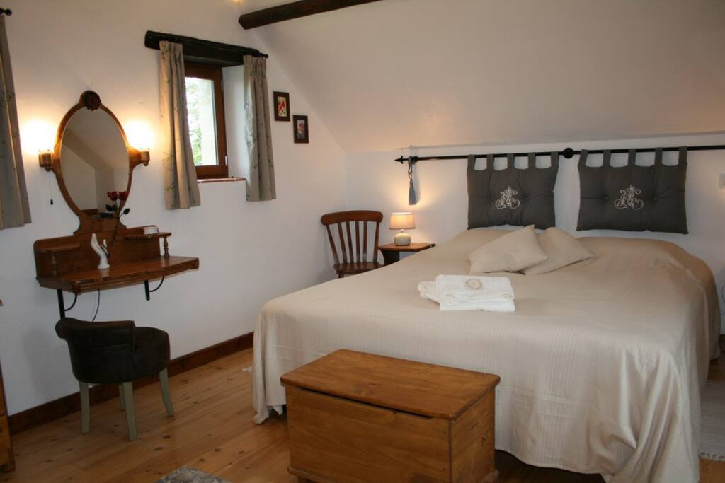 Bedroom (2 single beds possible)