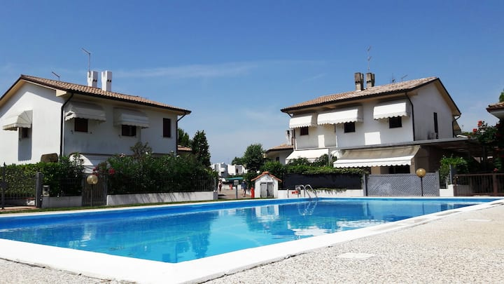 Luxury Villa for 10 people 1h from Venice