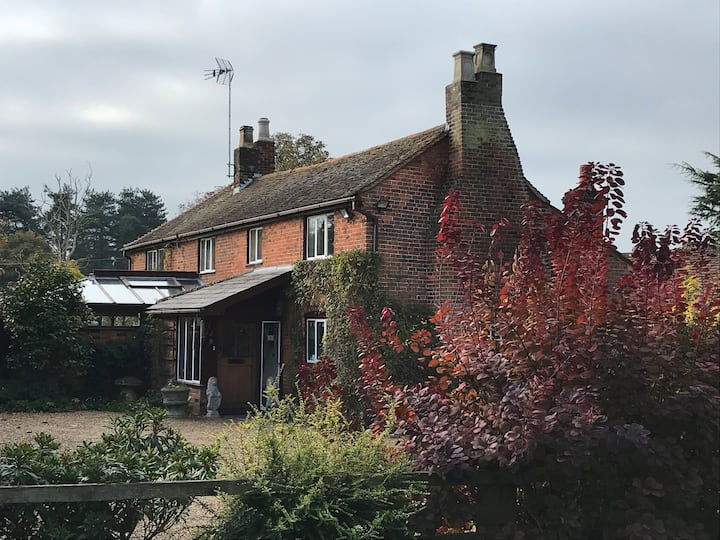 The Convent, Christmas Cottage (Self-Contained)